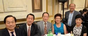 南加州越柬寮社團僑領楊式恥、洪碧珠、杜日海、蔡志德、黃福祥在籌款晚宴上